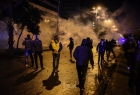 لبنان: قطع طرق احتجاجا على ارتفاع سعر صرف الدولار - فيديو