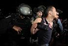 مستوطنون بحماية شرطة الاحتلال يعتدون على أهالي الشيخ جراح