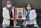 لجنة المرأة العربية تمنح وزيرة الصحة الفلسطينية جائزة التميز للمرأة العربية في مجال الطب