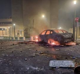 مدينة اللد تنتفض ..مواجهات دامية بعد استشهاد شاب برصاص إسرائيلي - فيديو