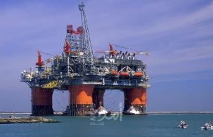 """النفط يهبط مع تزايد المخاوف بشأن الطلب بفعل ارتفاع وتيرة الإصابات بـ""""كورونا"""""""