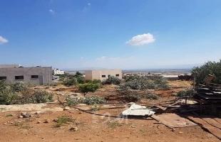 قوات الاحتلال تهدم منشآت شمال حاجز الحمرا وبيت لحم