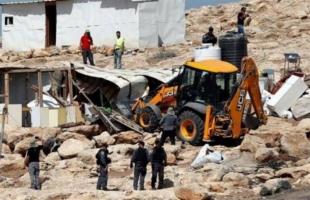 سلطات الاحتلال تهدم بركسا جنوب الخليل