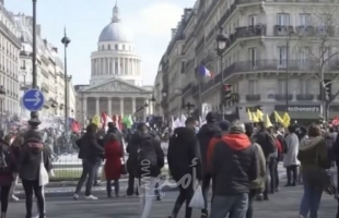 عشرات آلاف المتظاهرين في فرنسا احتجاجا على الشهادة الصحية