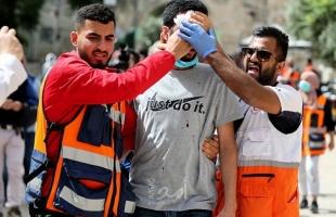 الهلال الأحمر: 520 إصابة خلال مواجهات الأقصى بينها حالات خطيرة