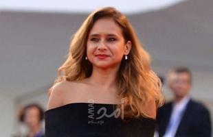 """الفنانة المصرية """"نيللي كريم"""" تعلن ارتباطها من جديد"""