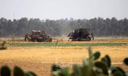 جرافات جيش الاحتلال تتوغل شرق خانيونس والبريج