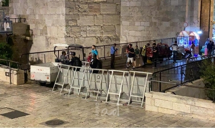 قوات الاحتلال تصيب شابا ويعتقل اثنين آخرين قرب باب العامود
